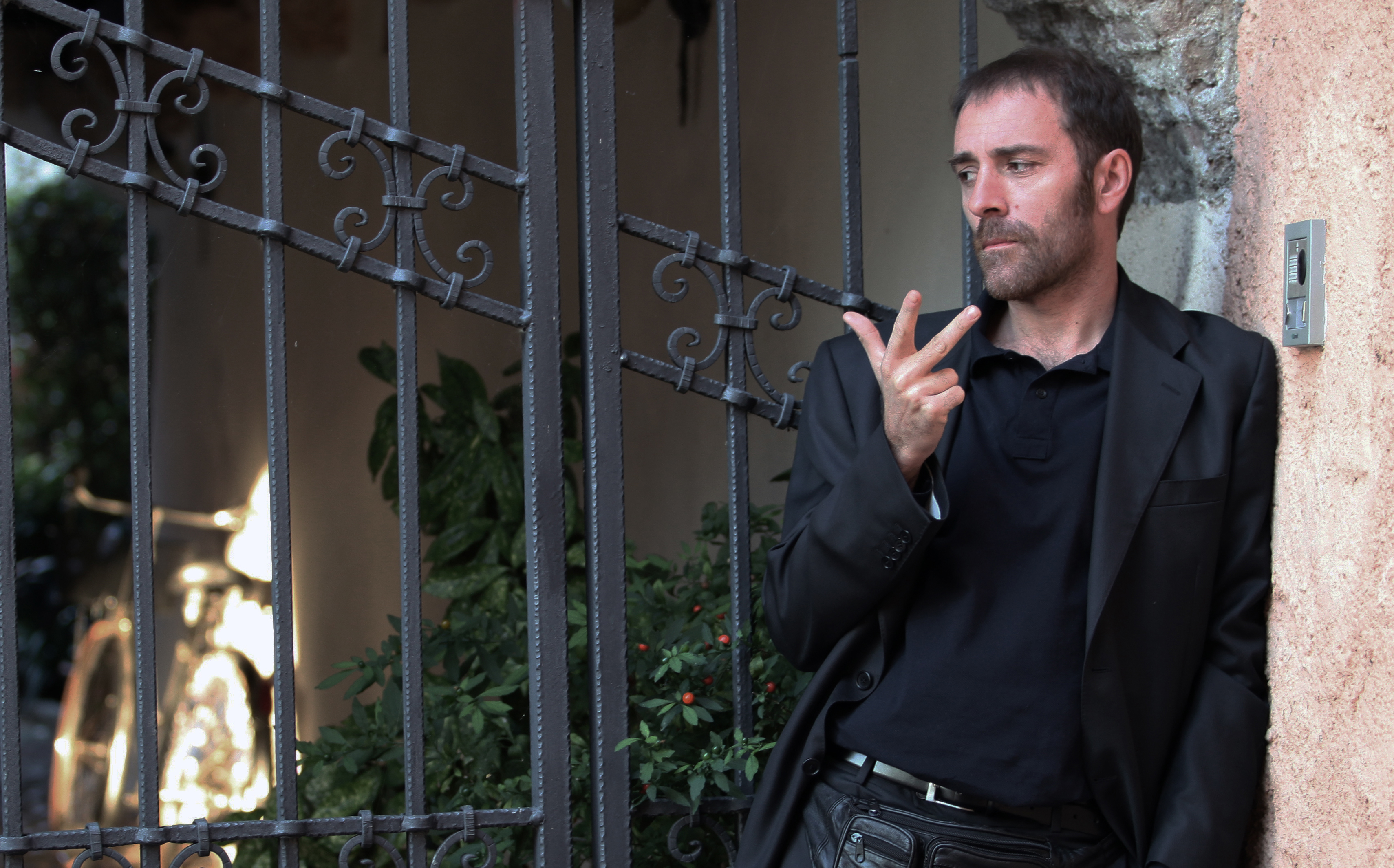 "Valerio Mastandrea in ""Cose dell'altro Mondo"" di Francesco Patierno (2011)"