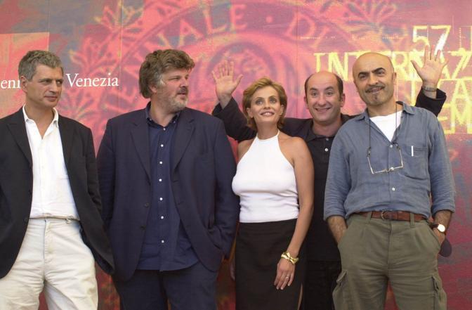 """Mazzacurati a Venezia con il cast de """"La Lingua del Santo"""" (2000)"""