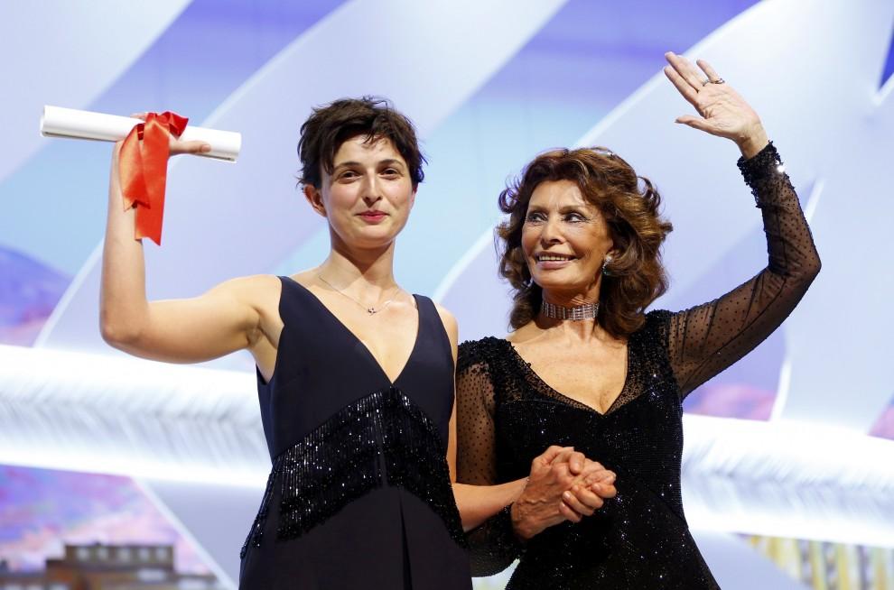 Alice Rohrwacher premiata da Sofia Loren