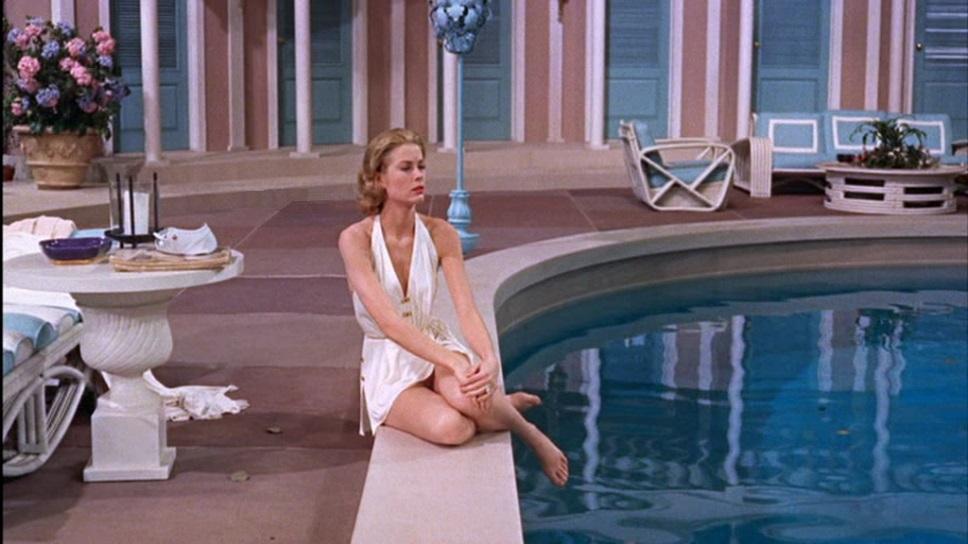 """Grace a bordo piscina in """"Alta Società"""" cerca di scorgere il suo orizzonte"""