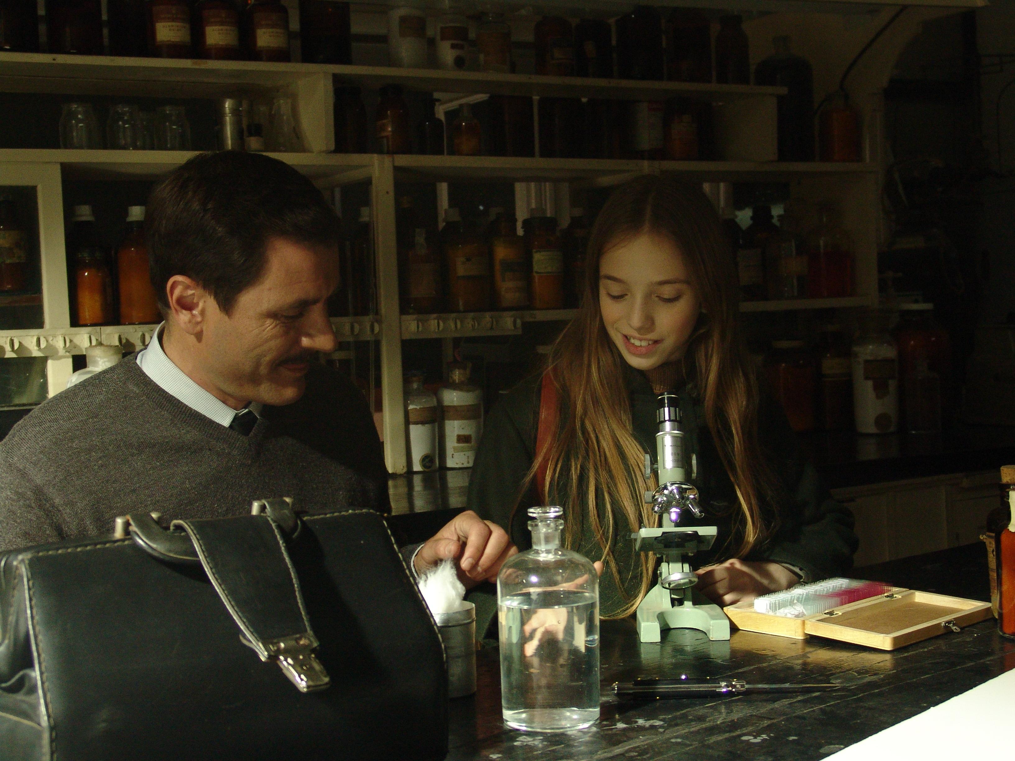 Alex Brendemuhl con Florencia Bado