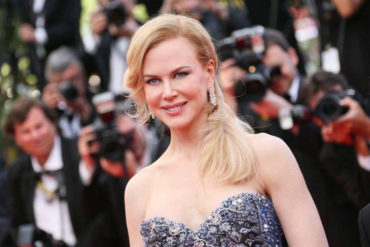 """Nicole Kidman sul red carpet di Cannes per la presentazione di """"Grace di Monaco"""""""