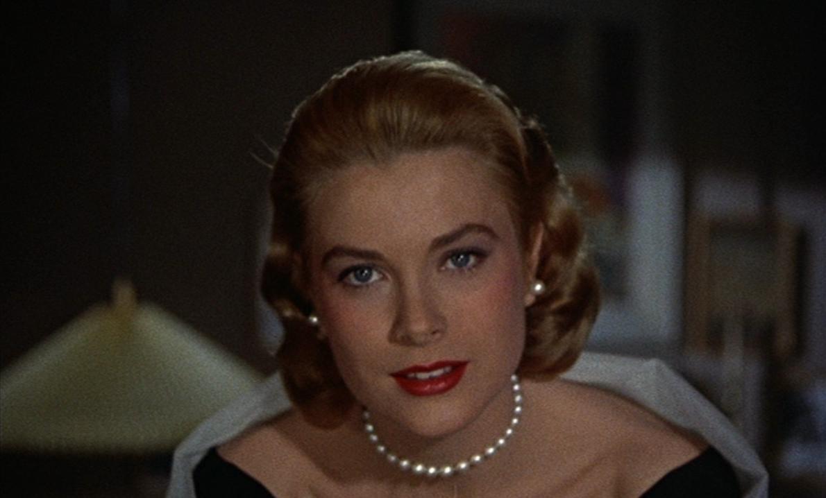 """Il famoso cameralook di Grace Kelly ne """"La Finestra sul Cortile"""" (1954)"""
