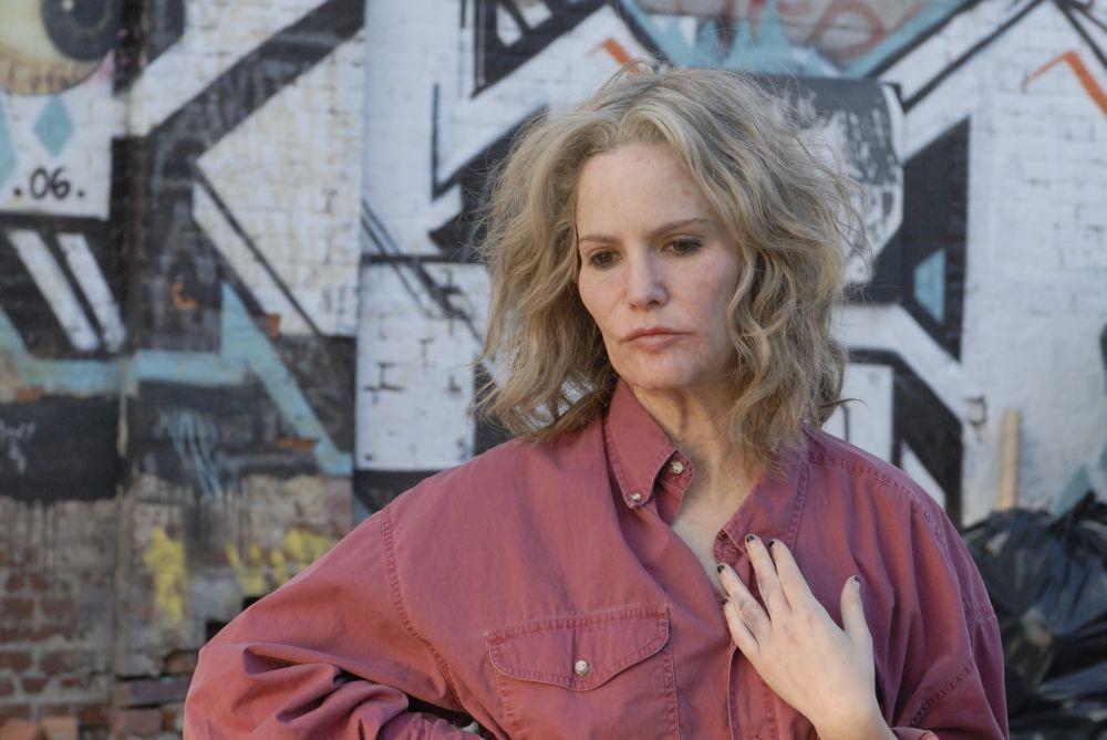 Jennifer Jason Leigh è Maria nel film