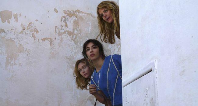 """Sabrina Impacciatore con Claudia Gerini e Cristiana Capotondi in """"Amiche da Morire"""" (Foto di Andrea Miconi)"""