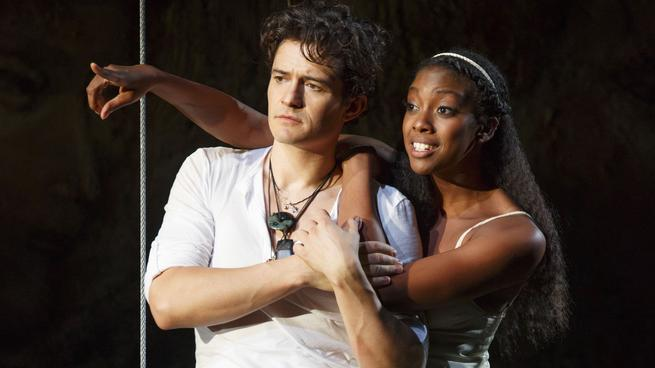 Orlando Bloom e Condola Rashad in scena a Broadway