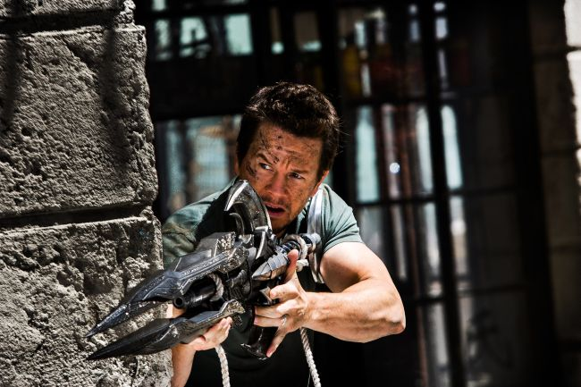 Mark Wahlberg è Cade Yeager