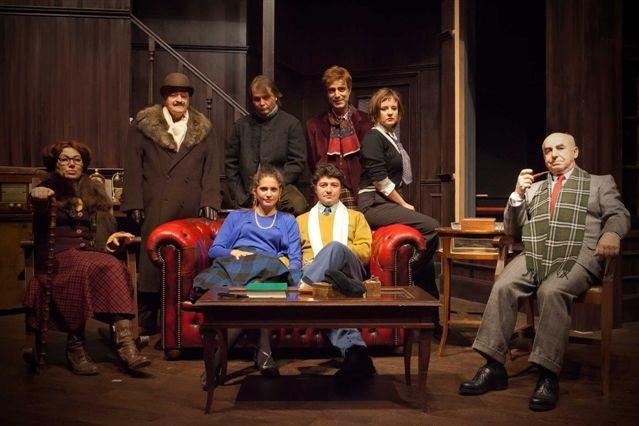 """Roberto Della Casa (a destra) nella commedia teatrale """"Trappola per Topi"""""""