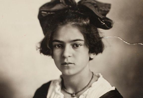 Una giovanissima Frida
