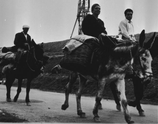 ENI, Basilicata, metà anni Cinquanta. Pozzi perforazione in Val Basento (Foto dall'Archivio Storico Eni)