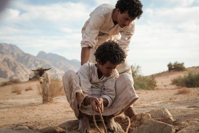 """Jacir Eid e Hussein Salameh in """"Theeb"""""""