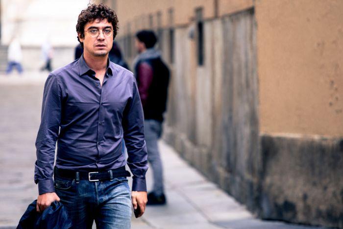 Riccardo Scamarcio è Davide Bias