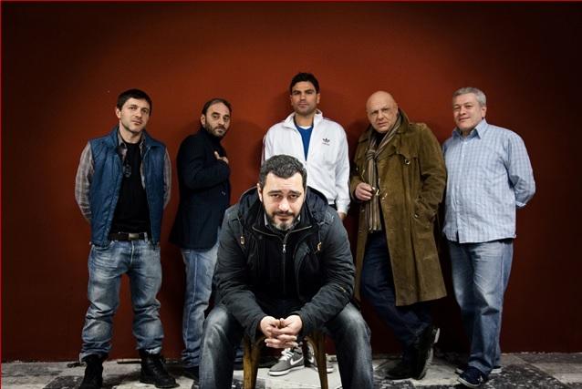 I cinque protagonisti alle spalle del regista Guido Lombardi