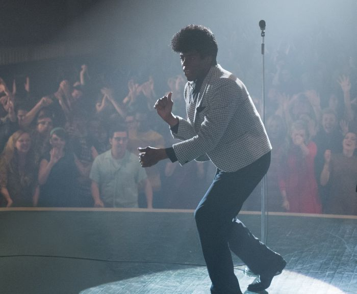 "Boseman è James Brown in ""Get On Up"""