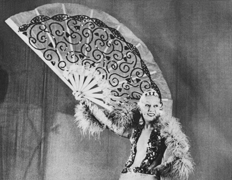 The italian  Diva WANDA OSIRIS ( 1905 - 1994 )