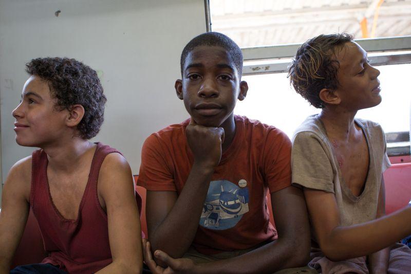 """I tre bambini protagonisti di """"Trash"""""""