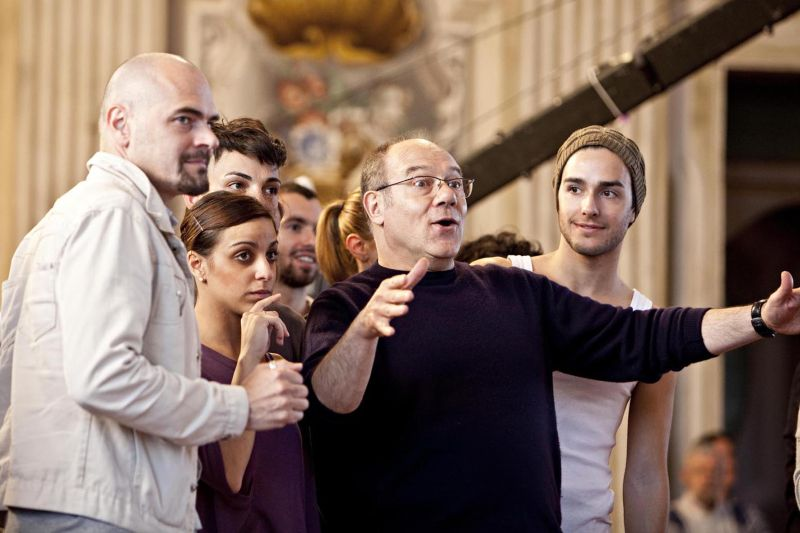 """Carlo Verdone dirige il cast di """"Cenerentola"""""""
