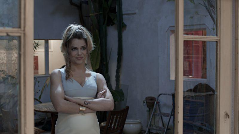 Micaela Ramazzotti è Simona