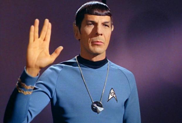Leonard Nimoy nel ruolo di Spock