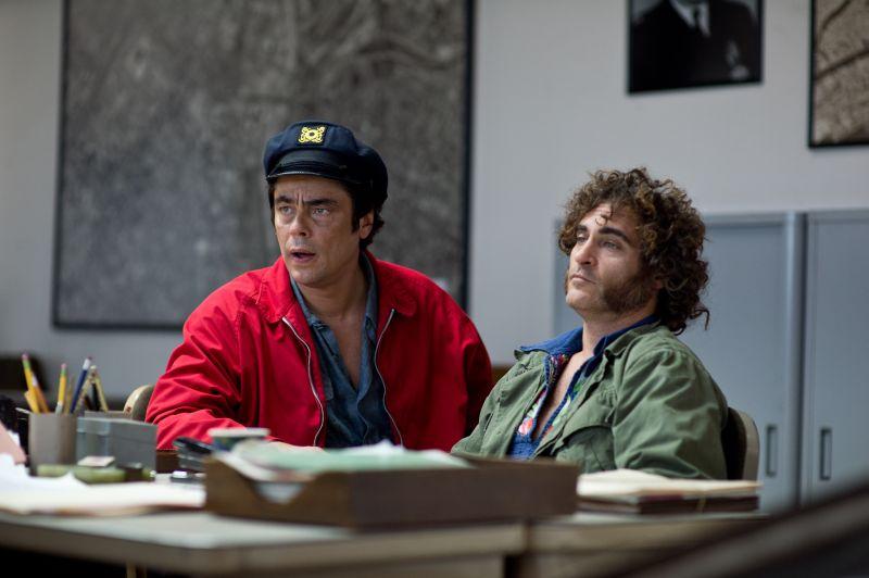 Benicio Del Toro con Joaquin Phoenix (foto di Wilson Webb)