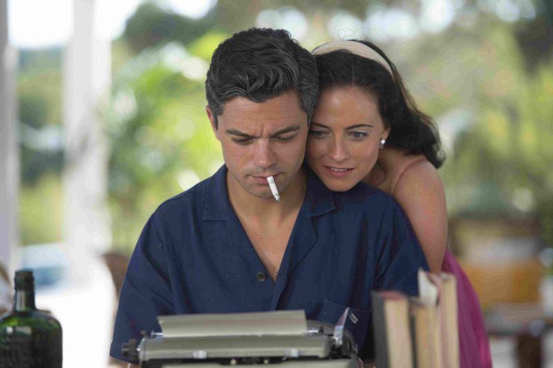 Dominic Cooper e Lara Pulver