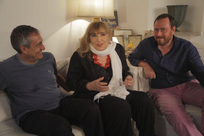Il regista Mario Sesti con Piera Degli Esposti e il produttore Massimiliano De Carolis