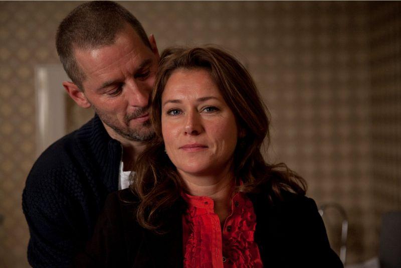 Phillip (Mikael Birkkjær) og Birgitte (Sidse Babett Knudsen) har et godt ægteskab, hvor der er plads og råderum til dem begge.Foto: Mike Kollöffel, DR.