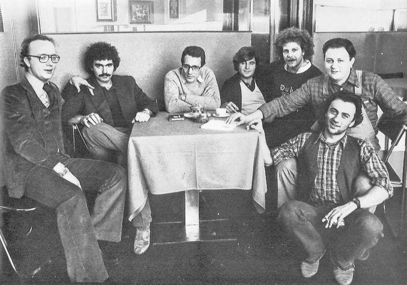 Il Derby Club di Milano: da sinistra Thole, Abatantuono, Jannacci, Di Francesco, Porcaro, Boldi e Faletti