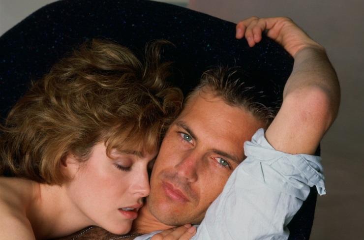 "Kevin Costner in ""Senza Via di Scampo"" (1987)"