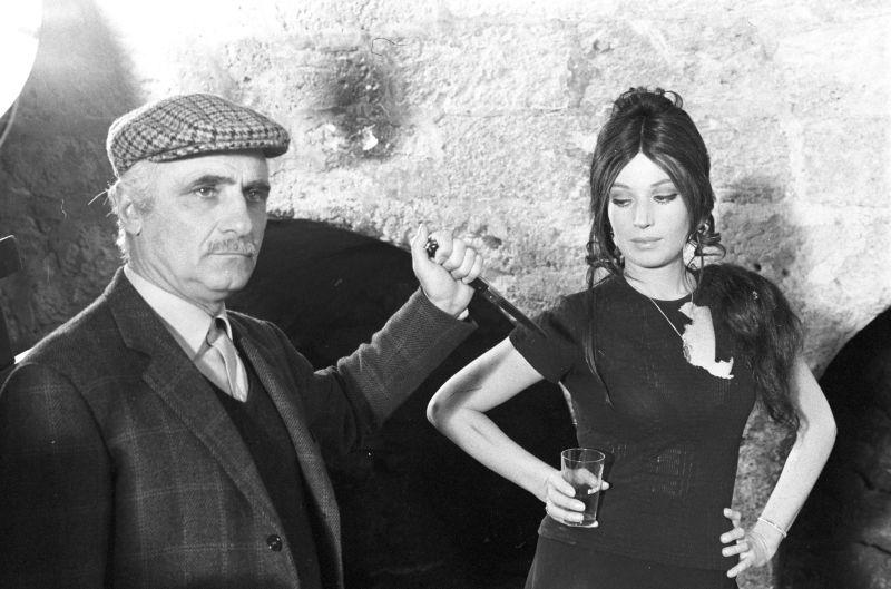 """Monicelli con Monica Vitti sul set di """"La Ragazza con la Pistola"""""""
