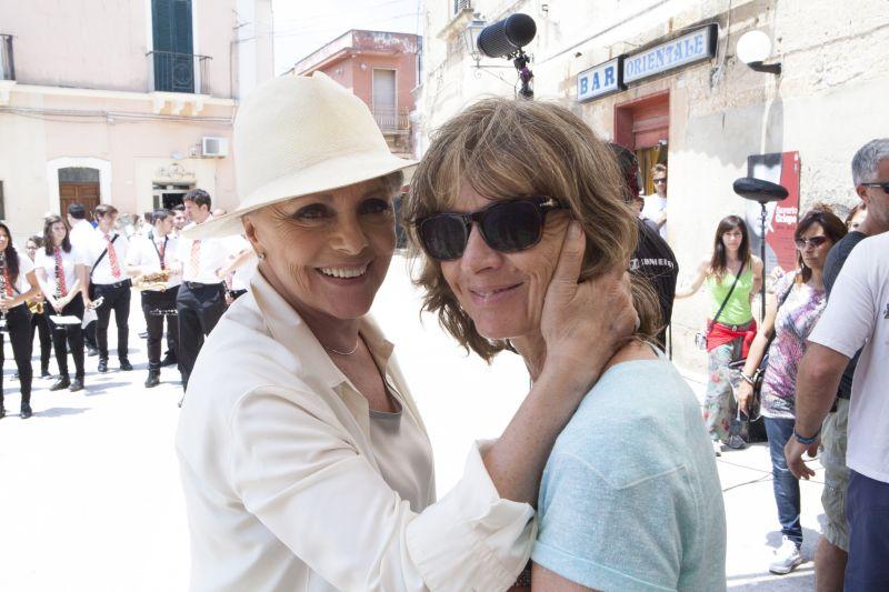 """Virna Lisi con Cristina Comencini sul set di """"Latin Lover"""""""