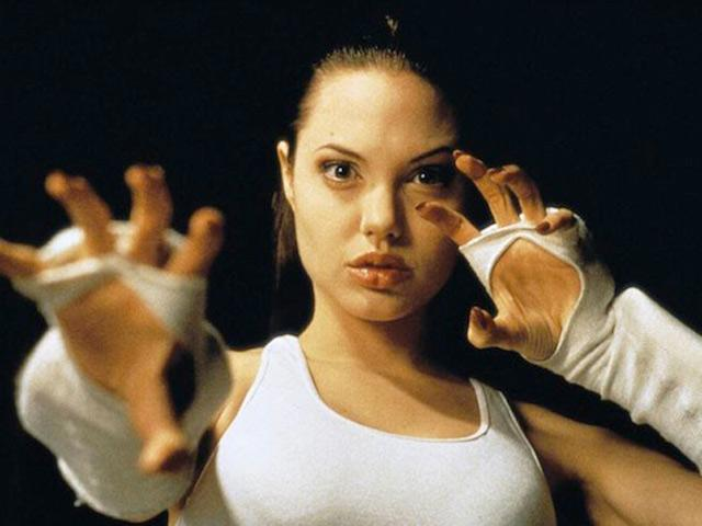 """Una giovane Angelina Jolie in """"Cyborg 2"""""""