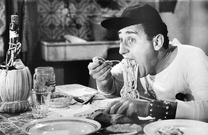 """Alberto Sordi in """"Americano a Roma"""""""