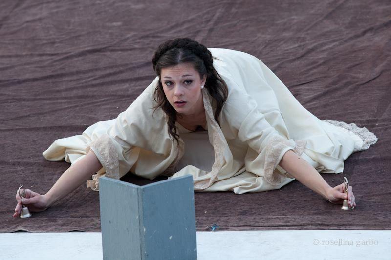 """In """"Miles Gloriosus"""" di Alvaro Piccardi al Teatro Antico di Tindari"""