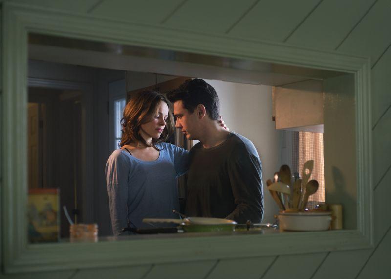 Sara (Rachel MacAdams) e Tomas