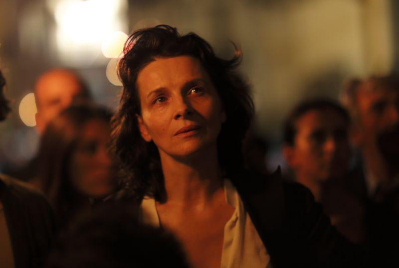 "Juliette Binoche è Anna ne ""L'Attesa"" (foto di Alberto Novelli)"