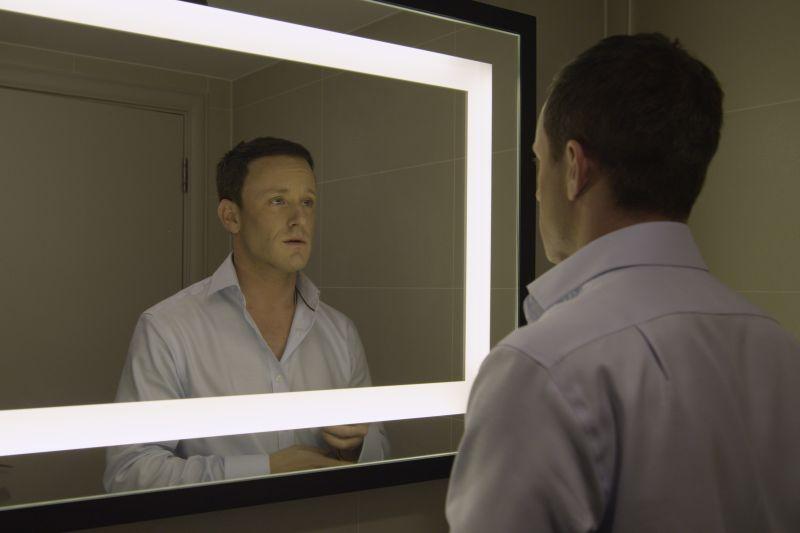 Un truffatore allo specchio
