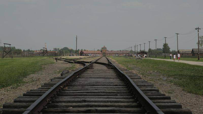 MEMORIE_in viaggio verso Auschwitz002