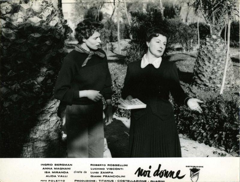 Siamo donne © 1953 Film Costellazione / A. Guarini. © 1992 Marzi Vincenzo. © 2004 MARZI Srl. Tutti i diritti riservati. Su cortese autorizzazione di VIGGO Srl. Coll. Museo Nazionale del Cinema, Torino