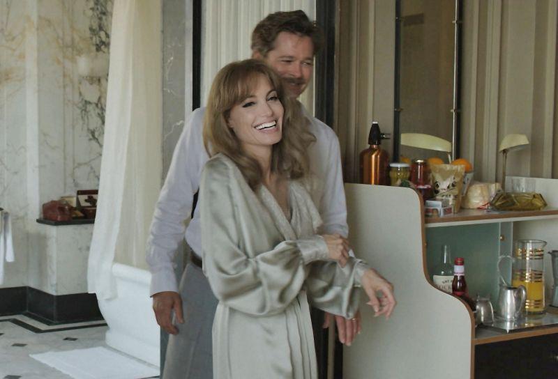 Pitt-Jolie, coppia nella vita e sul set