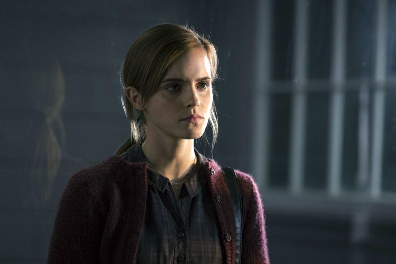 Emma Watson è Angela (foto di Jan Thijs)