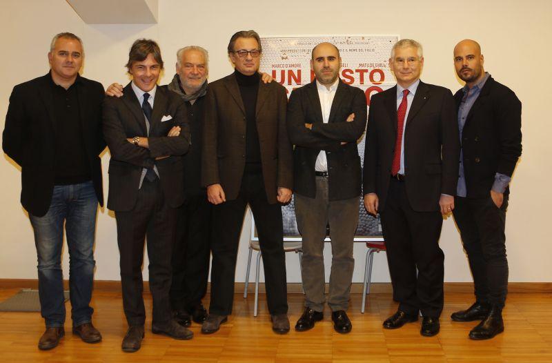 Da sinistra: SandroScollato, PaoloTenna, GiorgioColangeli, Fabrizio Donvito, Francesco Ghiaccio, Paolo Pia, Marco D'Amore