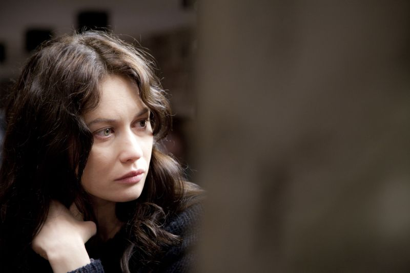 Olga Kurylenko è Amy