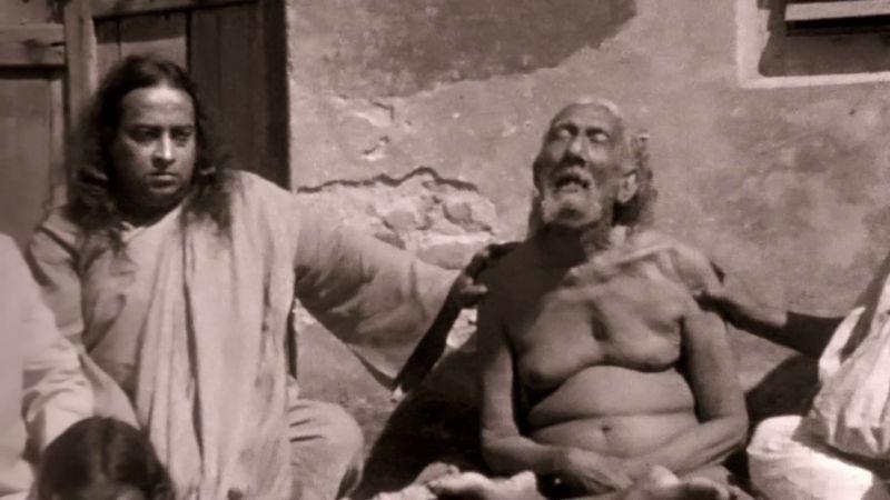 Yogananda e il suo maestro da Awake