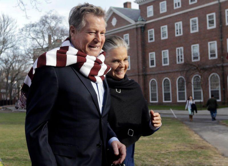 Ryan O'Neal e Ali MacGraw ad Harvard oggi...