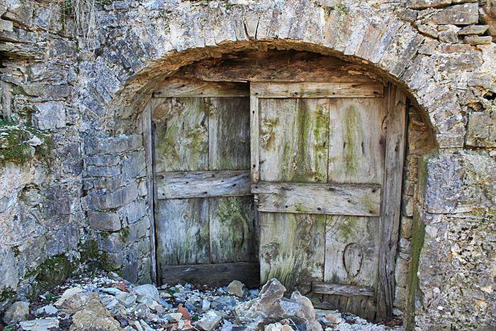 Una porta che apre al passato (foto di ©Cristiano Zanardi)