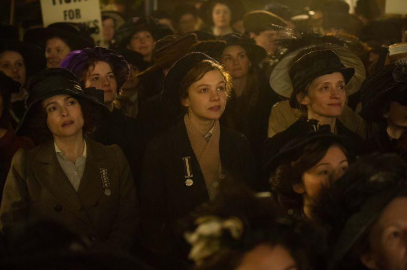 Edith (Helena Bonham Carter) con Maud e Violet