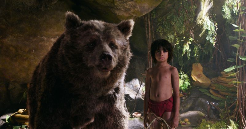 Baloo e Mowgli (foto ©2106 Disney Enterprises, Inc. All Rights Reserved.)