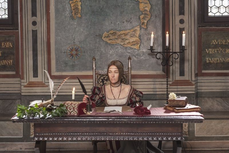 Cristiana Capotondi, nel ruolo della dama con l'ermellino, in scena nella Casa degli Atellani. (Foto © Rita Antonionoli per Codice Atlantico)