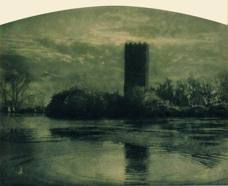 Domenico Riccardo Peretti Griva, Ninfa (la Pompei medioevale), 1925 ca. Stampa al bromolio Collezione Museo Nazionale del Cinema